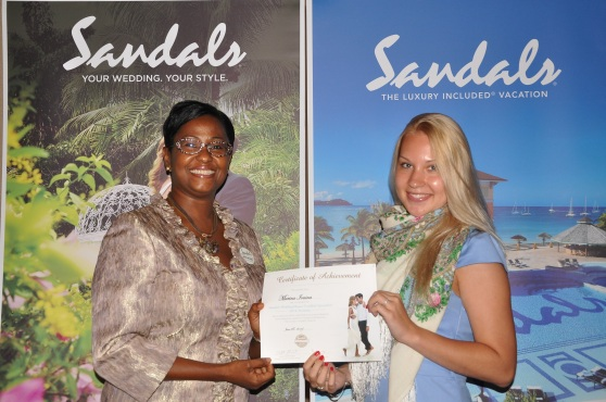 Sandals weddingmoon spesialist